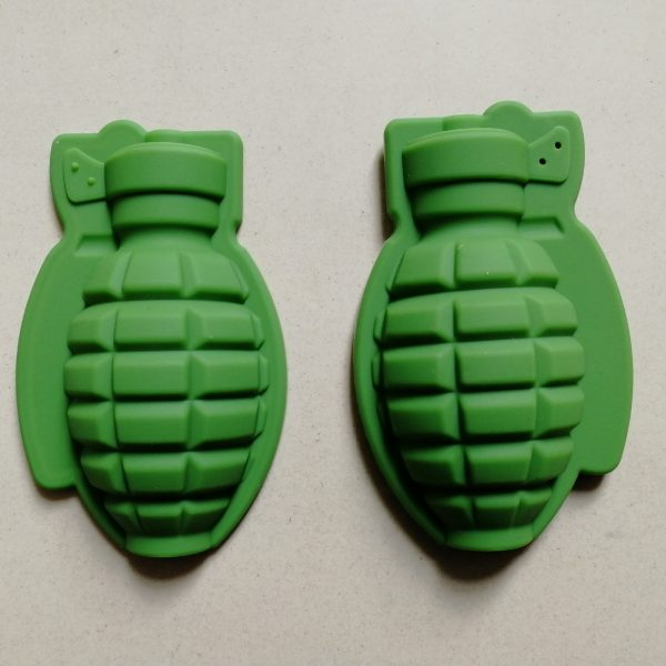 Grenade ice cube mold (1)