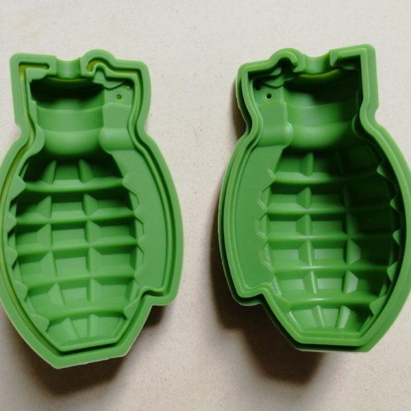 Grenade ice cube mold (4)
